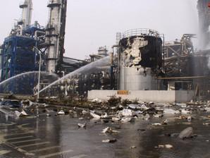 河南新乡一化工企业发生爆炸5人受伤