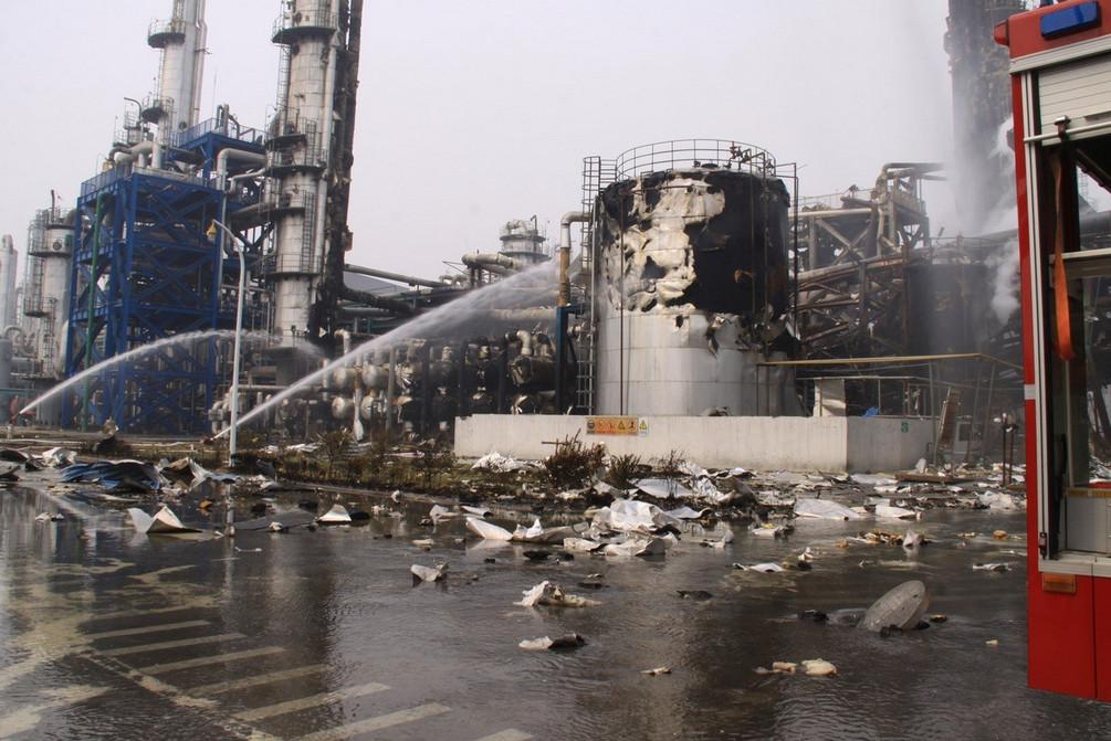 9月10日上午8点30分左右,位于河南新乡市获嘉县的中新化工有限责任公司发生爆炸。事故造成5人受伤,受伤人员已送往医院,事故原因尚未查明。图为爆炸现场。