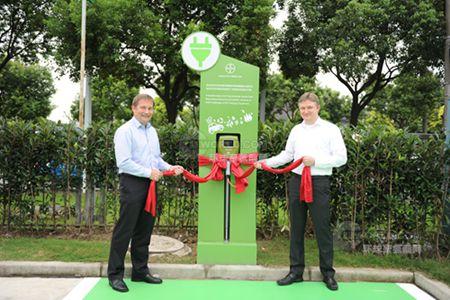 拜耳上海聚合物研发中心安装聚碳酸酯基电动汽车充电桩
