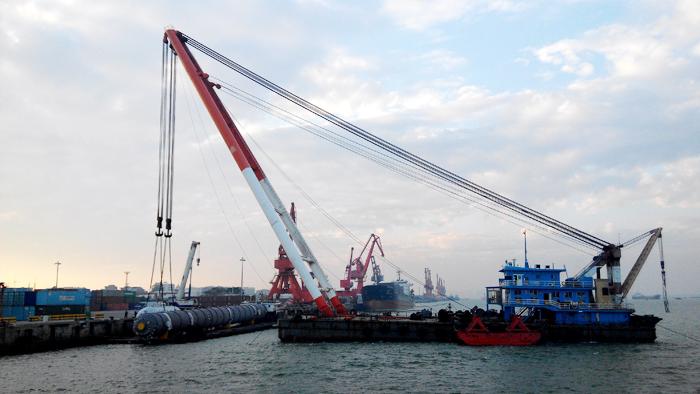 [图]茂名石化码头成功接卸巴斯夫公司关键设备