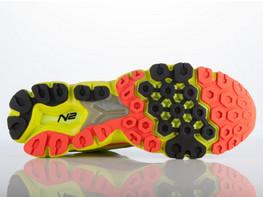 [图]新百伦跑鞋采用微孔发泡新技术