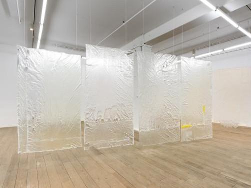 [图]以防水油布为基础的浇注聚氨酯雕塑