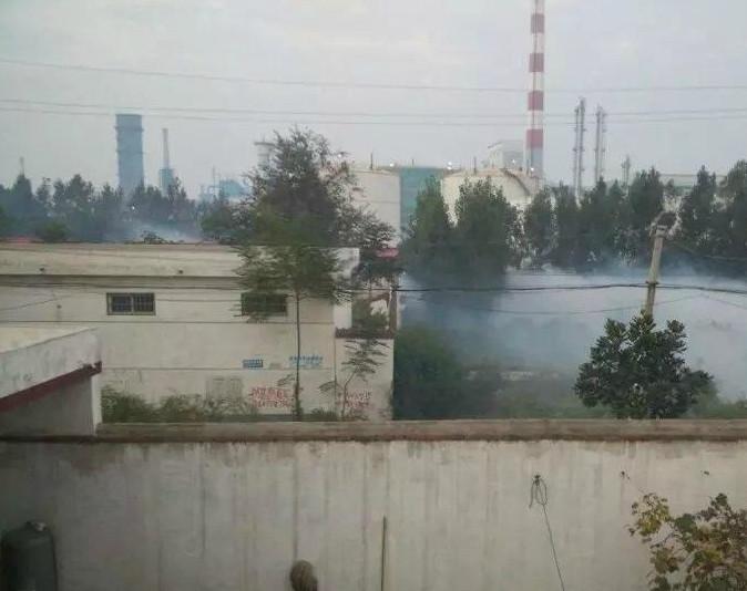 9月18日,早上6点半左右,河南平顶山石龙区中鸿煤化公司发生合成氨泄漏,厂区附近部分村民出现中毒症状。目前已造成20人受伤,其中5人伤势较重,暂无生命危险。