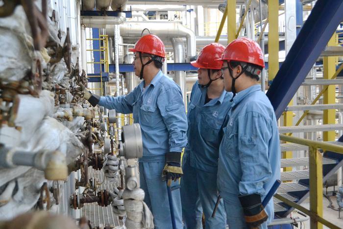 [图]安庆石化Ⅱ套常减压装置提前节点实现一次开车成功