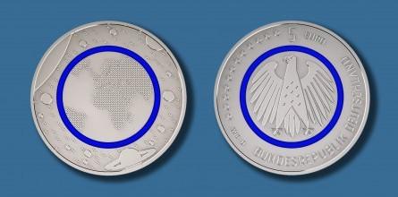 [图]由由金属和塑料聚合物共同制备硬币