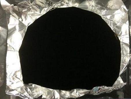 [图]使礼服失去所有特征的碳纳米碳管材料