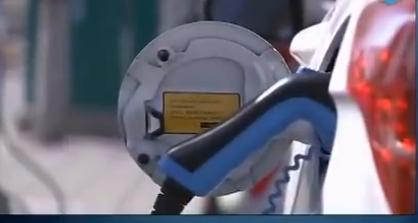[视频]焦急的充电桩