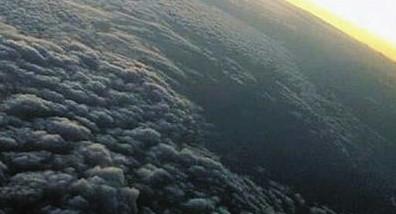 """[图]从飞机上看北京雾霾:如""""黑心棉""""密不透风"""
